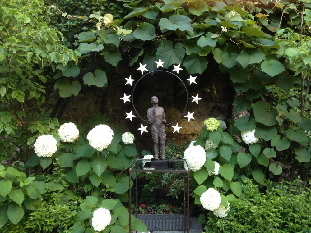 Regent-garden-hotel-mickie-doussy