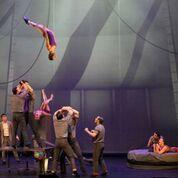 cirque-Eloize-cirkopolis-1